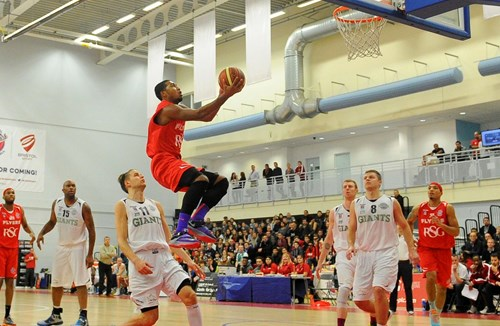 Bristol Flyers 72-67 Manchester Giants