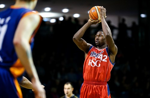 Edozie returns for third season with Bristol Flyers