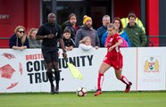 Fergusson agrees fresh terms with the Vixens
