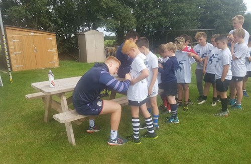 Bristol Rugby duo attend Community Foundation summer camp