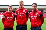 Trio join Cheltenham on loan