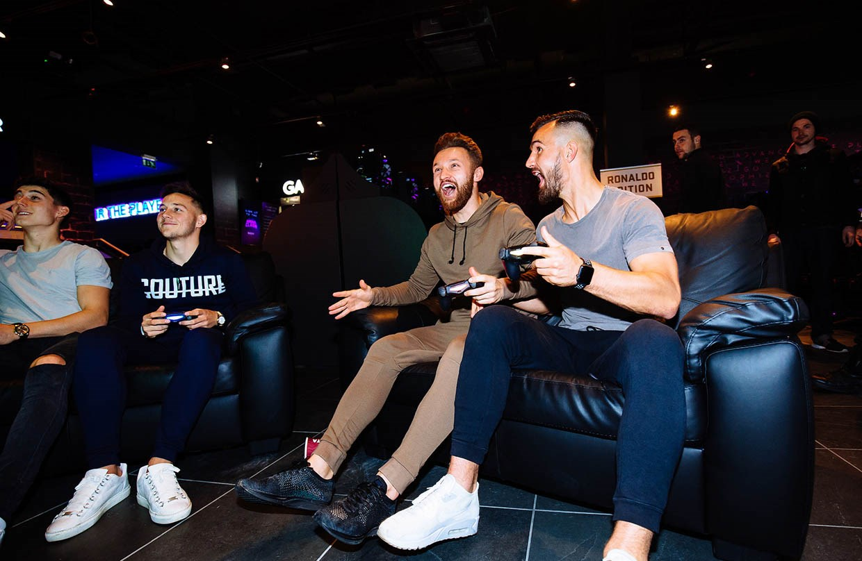 Video: City stars enjoy FIFA 18 Launch at GAME thumbnail