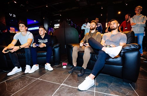 City stars enjoy FIFA 18 kick-off