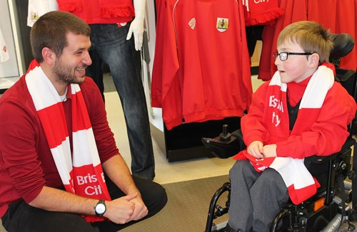 Support City And Oskar With The #WembleyWave!