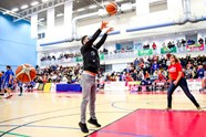 Bristol Flyers free throw challenge - Scott Murray