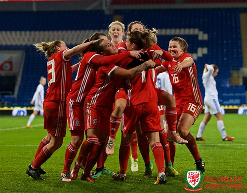 Jayne Ludlow's Wales top group one in World Cup qualifying
