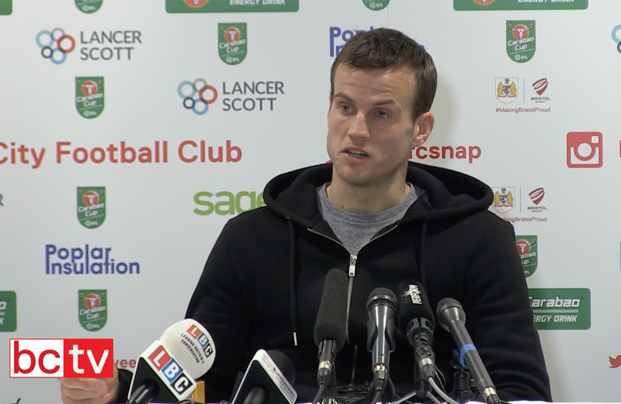 Video: Luke Steele Pre-Manchester United home press conference thumbnail