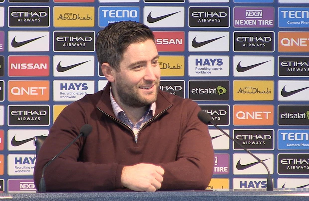 Video: Lee Johnson Post-Manchester City away press conference thumbnail