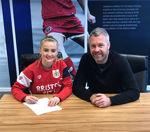 Poppy Wilson signs professional terms with Bristol City Women