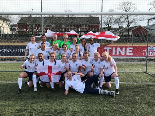 Woolley involved as young Lionesses reach Euro finals