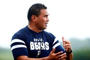Video: Pat Lam visits Bristol Bears Women training