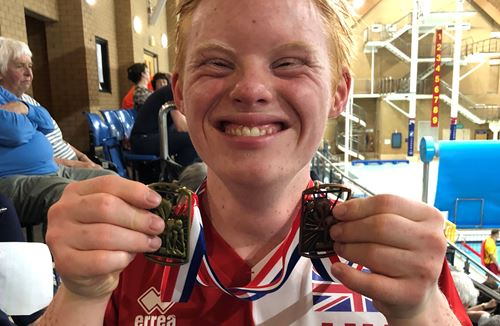 Spectrum pupil Harry to compete at swimming World Championship