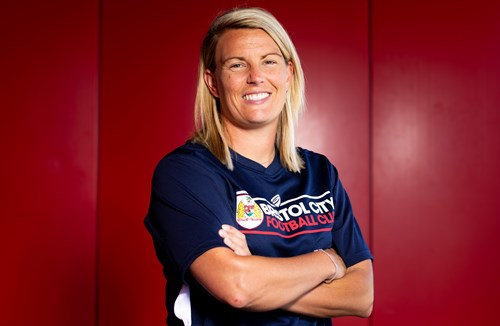 Oxtoby appointed Vixens manager