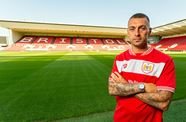 Hunt switches Owls for Robins