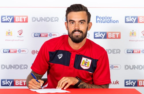 Pack pens new contract