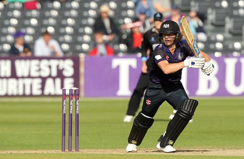 Report: Late Sussex Rally Sees Off Gloucestershire