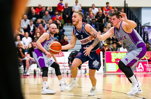 Nicholls extends stay with Bristol Flyers