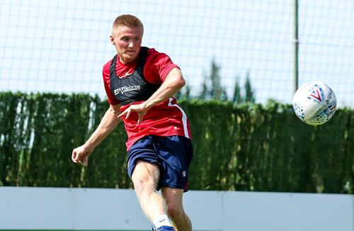 Moore football for Taylor in Southend move