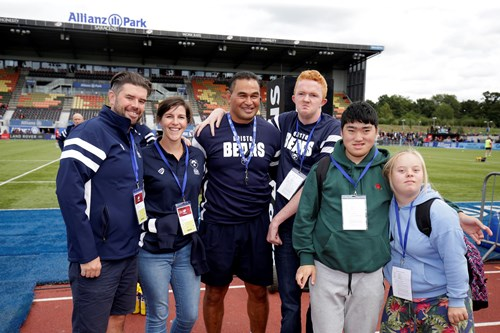 Foundation's budding journalists go VIP at Allianz Park