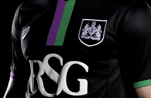 Bristol City Back In Black
