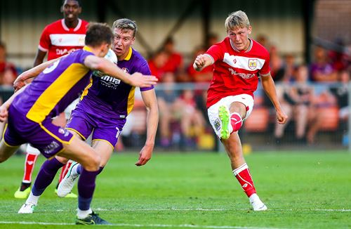 Andrews extends loan at Torquay
