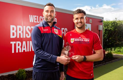 Wright and Baggaley win Community accolade