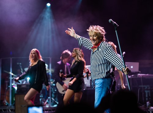 Rod Stewart kicks off massive tour with exclusive warm up show