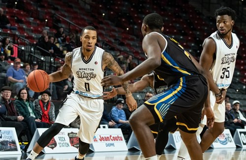 Flyers sign Canadian guard Gentrey Thomas