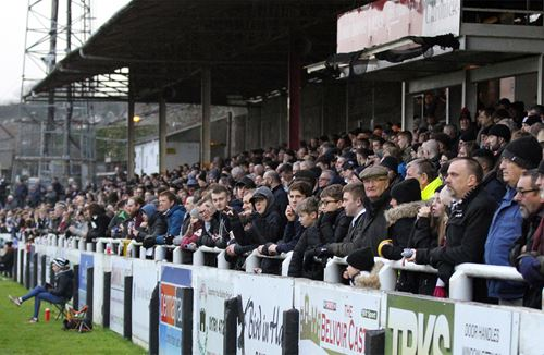 Robins discount to support Romans on Non-League Day