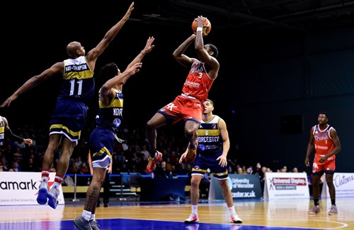 Highlights: Worcester Wolves 74-70 Bristol Flyers