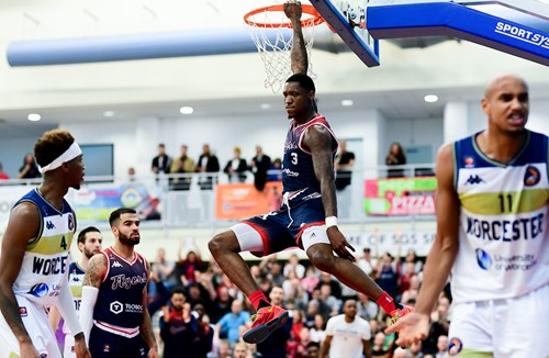 Report: Bristol Flyers 81-66 Worcester Wolves