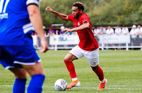 Freddie Hinds joins Bath City on loan