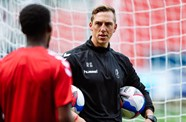 Gilmartin back for Cherries test on Robins TV