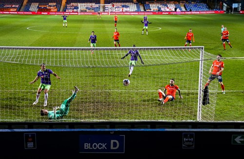 Report: Luton Town 2-1 Bristol City