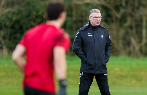 Watch: Pearson delivers first training session