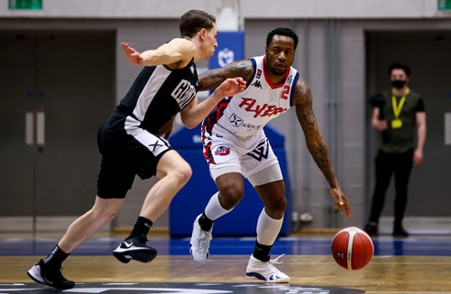 Highlights: Manchester Giants 89-93 Bristol Flyers