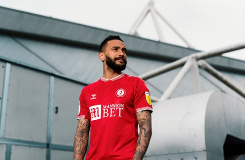 Gallery: Danny Simpson joins the Robins