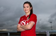 Vixens Sign Hibs Midfielder