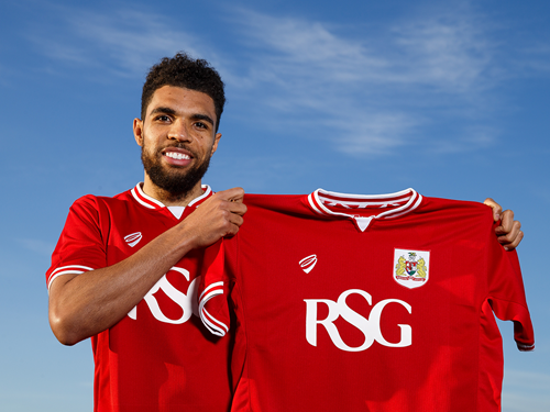 Competition: Win A Signed Scott Golbourne Shirt