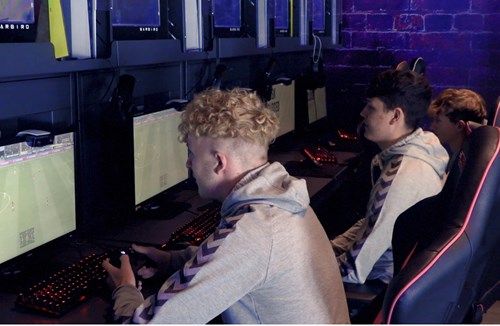 Sign up to our new Esports course! 🎮