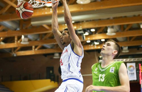 Kapoulas begins U20s European Championship Campaign With Victory