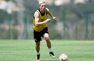Video: Magnusson Trains With City Team-Mates